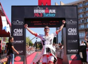 Jeren Seegers takes the win at Turkey 70.3